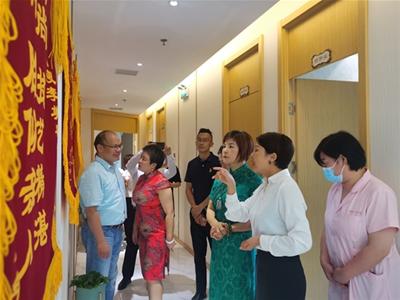 上海喜上母婴新店隆重开业,母婴健康专委会领导们到访祝贺